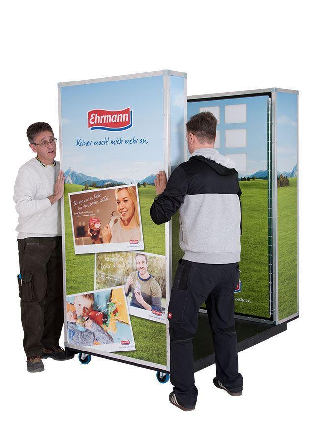 Fotoautomat mit fahrbarem Unterbau